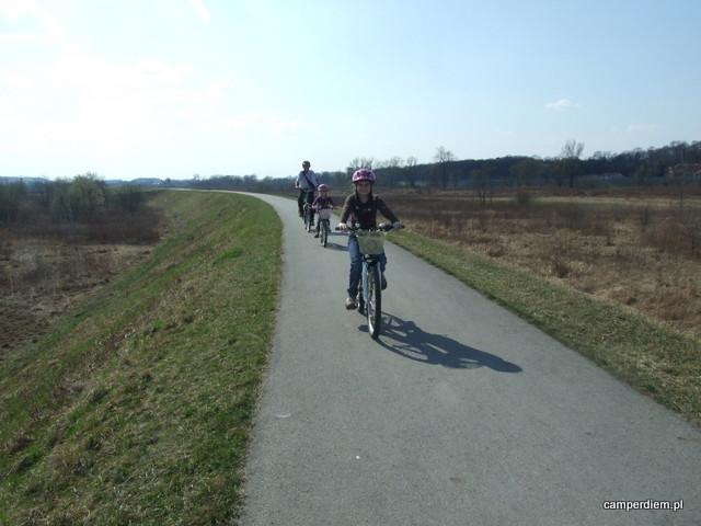 ścieżka rowerowa na wale wiślanym