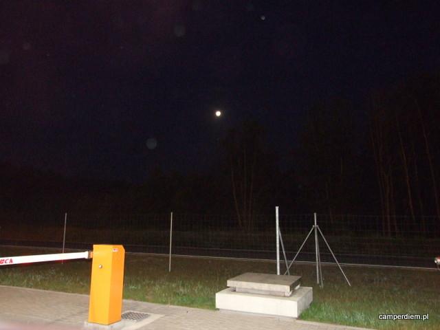 księżyc- widok z bramki autostrady A1