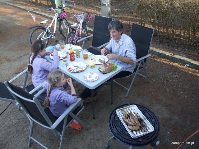 obiad przy kamperze