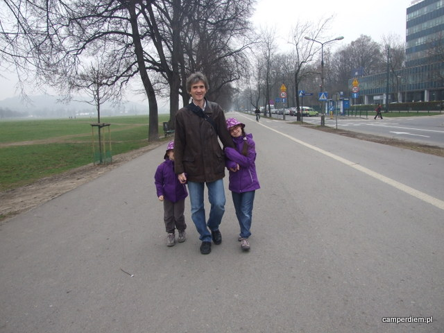 ścieżka spacerowa przy Błoniach