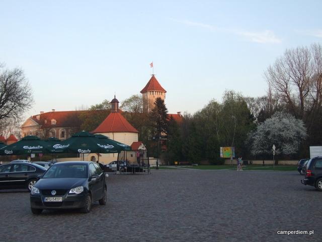 rynek w Pułtusku, widok na zamek