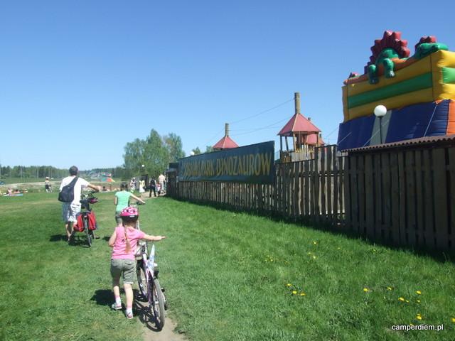 wycieczka rowerowa do parku dinozaurów