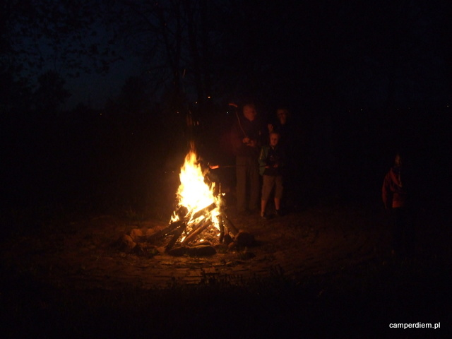 ognisko na zlocie w Wasilkowie