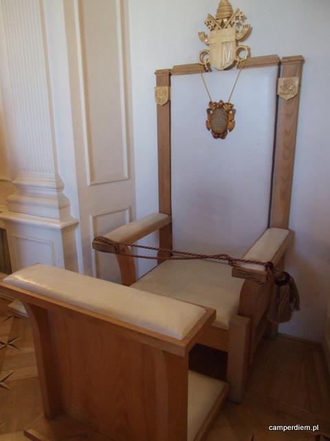 fotel papieski