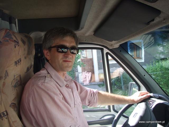 kierowca przed wzjazdem