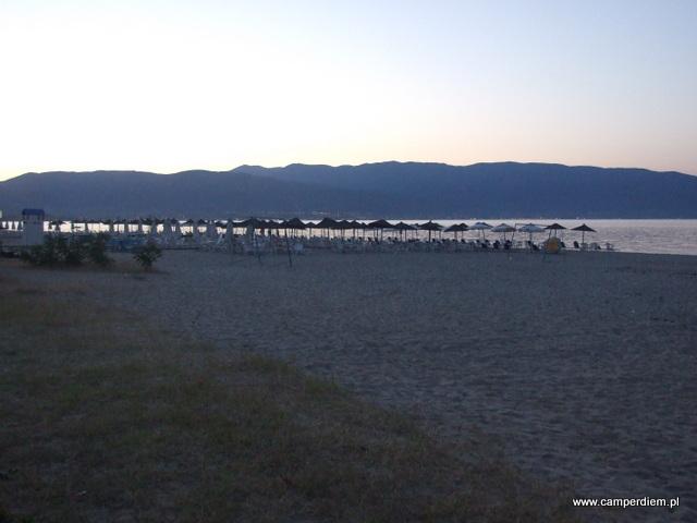 pusta plaża w Stavros