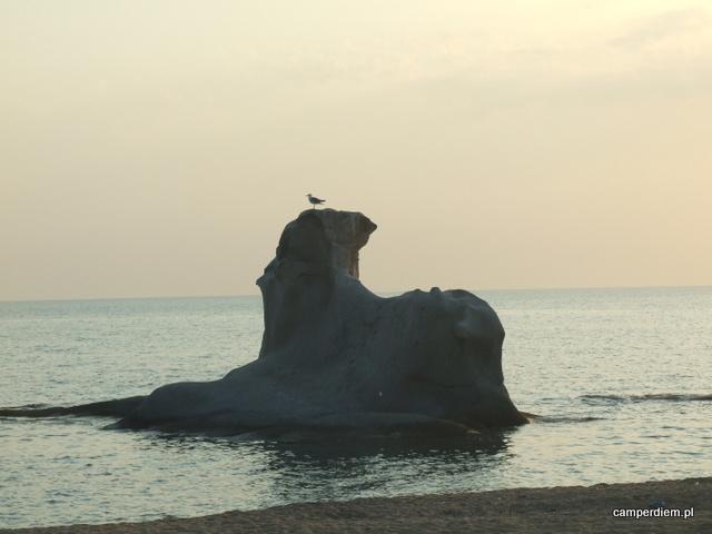 sfinks na plaży Ierissos