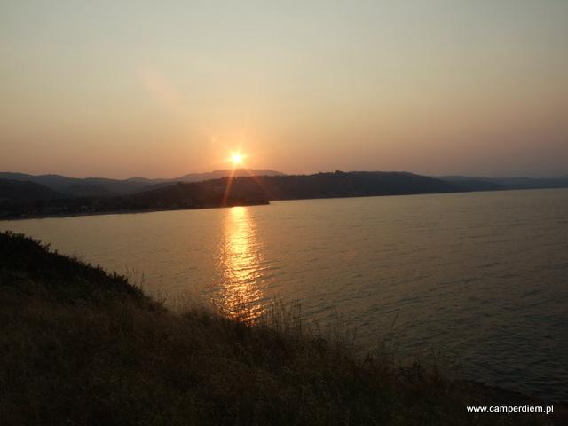 zachód słońca w Ormos Panagias