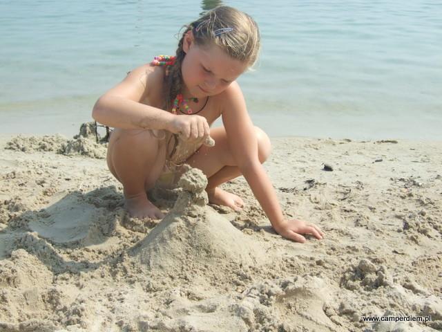 miałki piasek na plaży Karidi