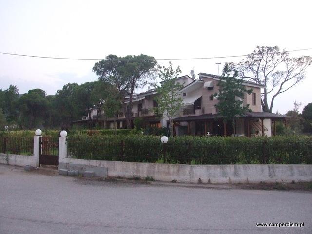 apartamenty w Karidi