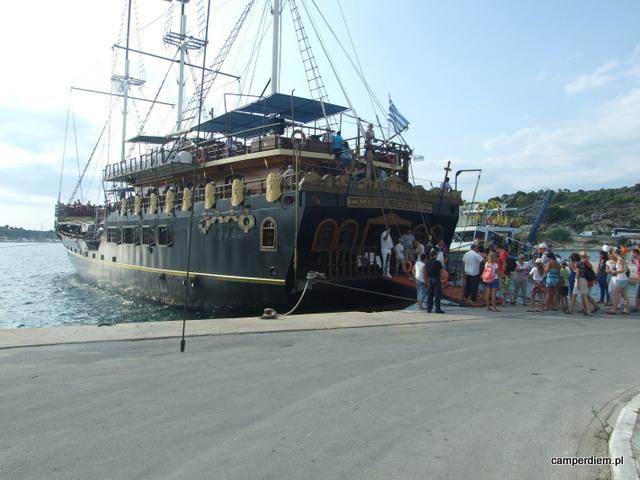 statek w Ormos Panagias
