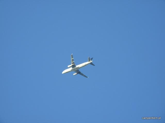samolot opuścił właśnie Saloniki