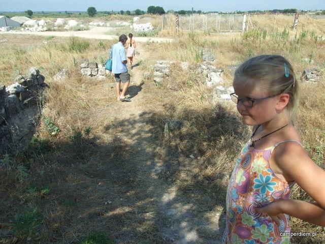 na wykopaliskach w Pelli