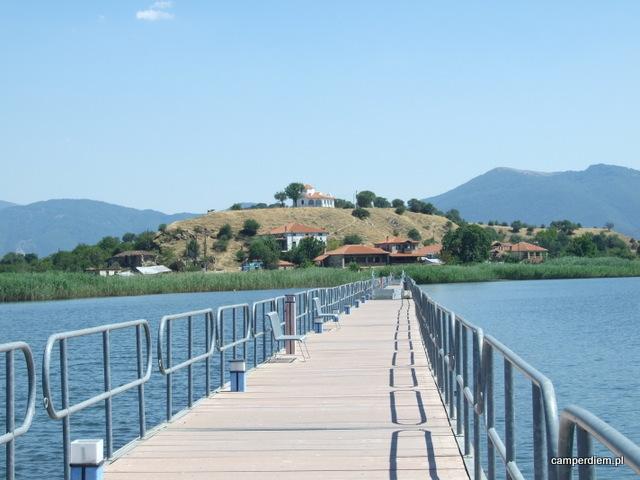 most na wyspę Ag. Achillios