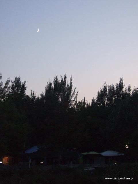 księżyc nad Stomio