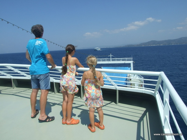 na promie na wyspę Evia