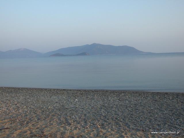 poranny spokój na plaży Kanatadika
