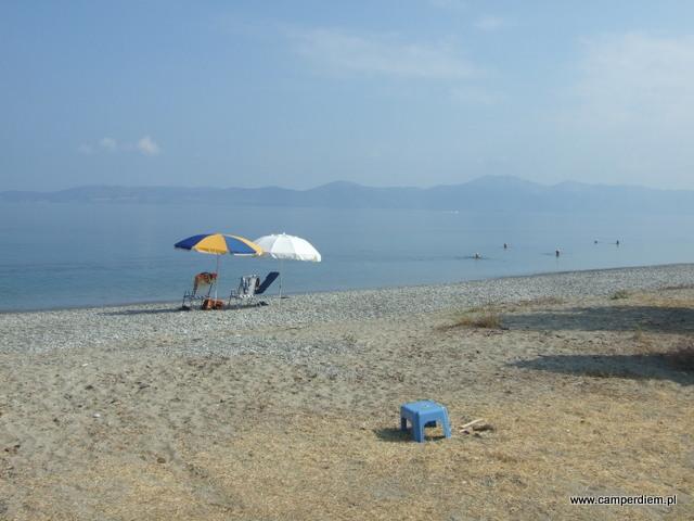 pierwsi Grecy na plaży Kanatadika
