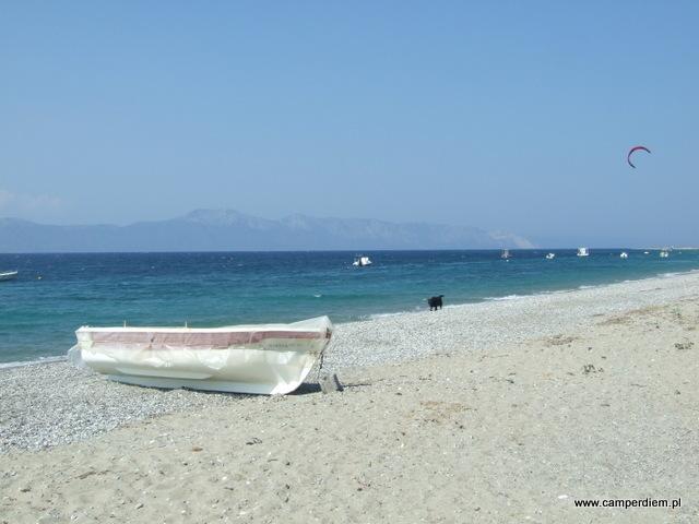plaża we wsi Kanatadika