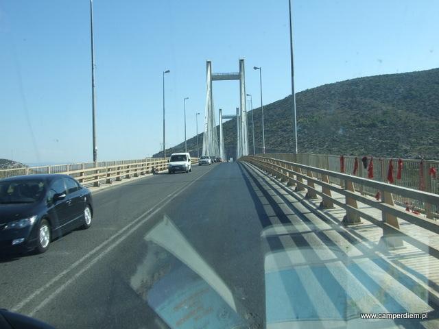 most łączący wyspę Evia z lądem