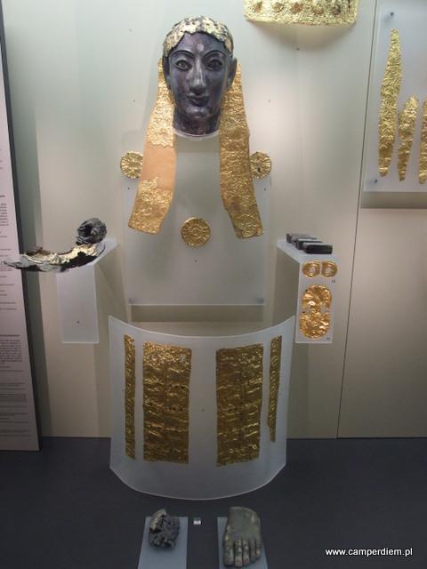 Apollo w muzeum w Delfach
