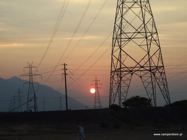 zachód słońca w Termopilach