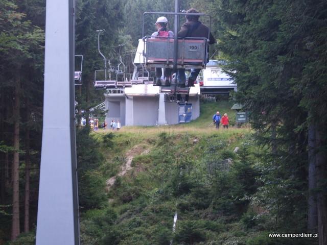 stacja pośrednia kolejki linowej na Szrenicę