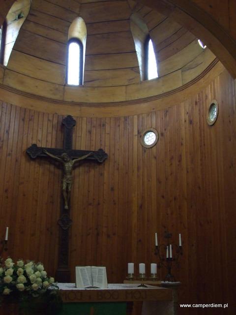wnętrze kościoła Wang w Karpaczu