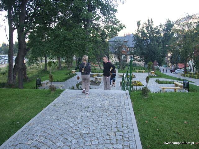 park miejski z placem zabaw w Karpaczu